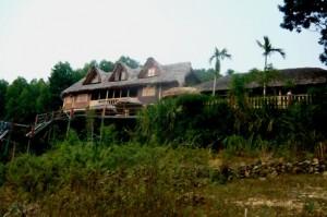 La vie vu linh lake resort Thac Ba Vietnam